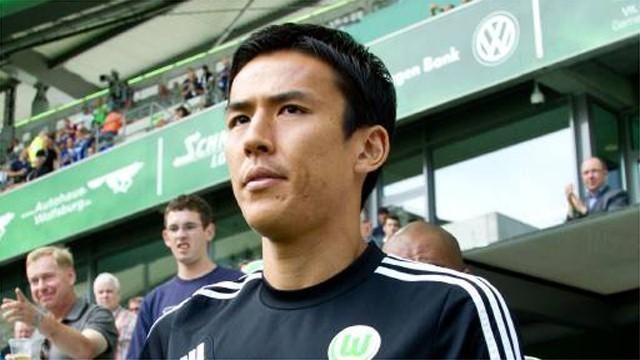 World Cup - Japan's Hasebe back under the knife