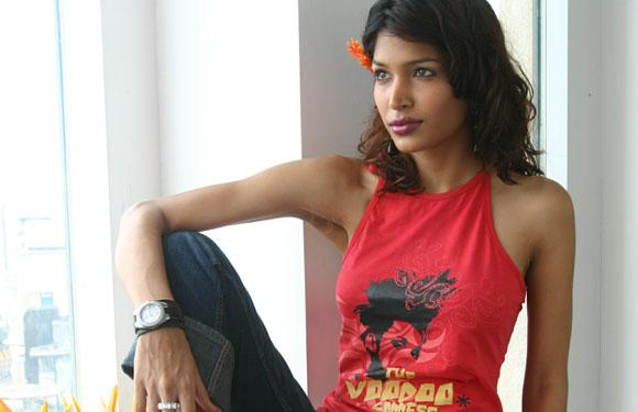 IPL 2013: Glamorous WAGS And Cricket