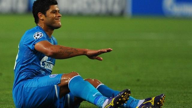 Champions League - Zenit dealt Hulk injury blow