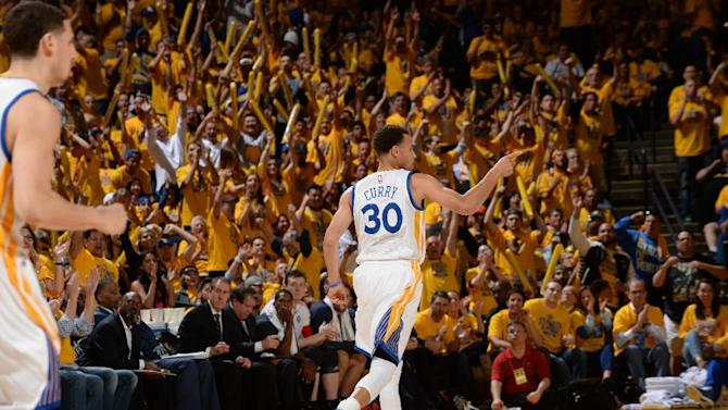 Curry scores 34, Warriors beat Pelicans 106-99 in Game 1