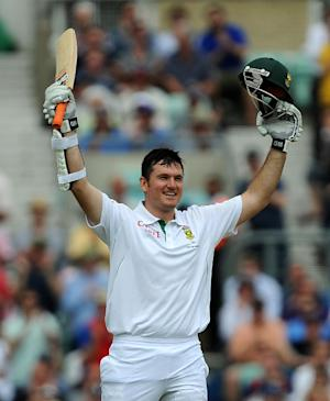 Graeme Smith's century helped South Africa get back into the Test match with Australia