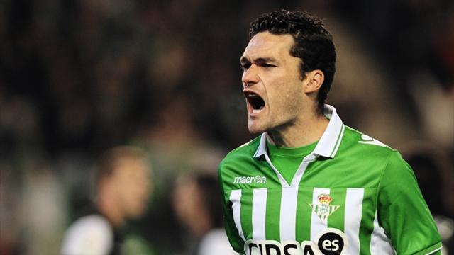 Liga - Valencia slip to defeat at Betis