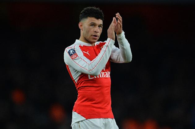 Arsenal's Oxlade-Chamberlain has not played since injuring a knee in the Champions League defeat by Barcelona on February 23
