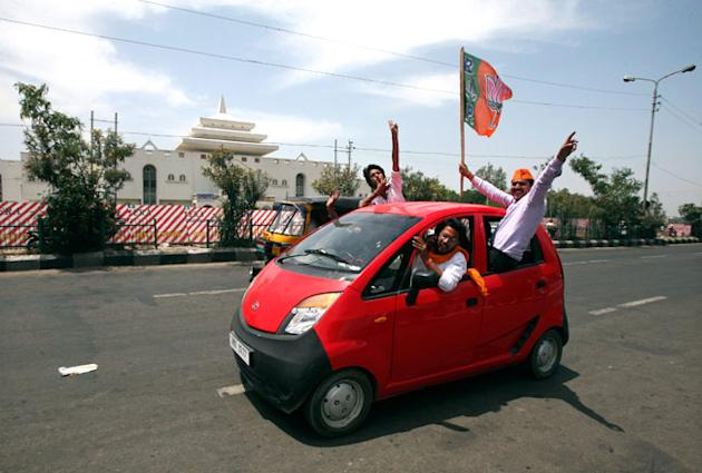 BJP cadres celebrate landslide win across the country