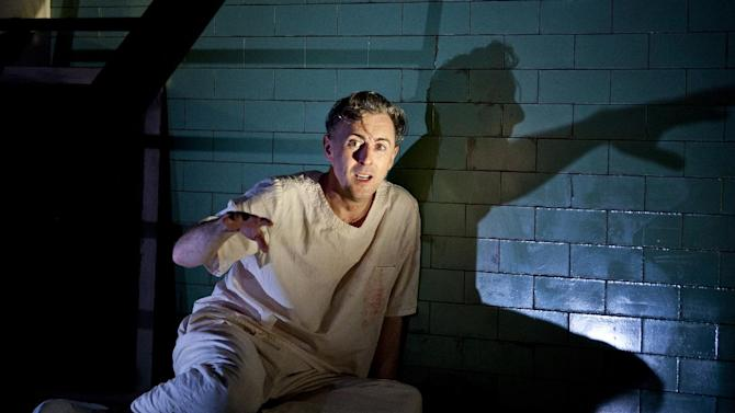"""This undated theater image released by The Publicity Office shows Alan Cumming during a performance of """"Macbeth.""""  (AP Photo/The Publicity Office, Jeremy Daniel)"""