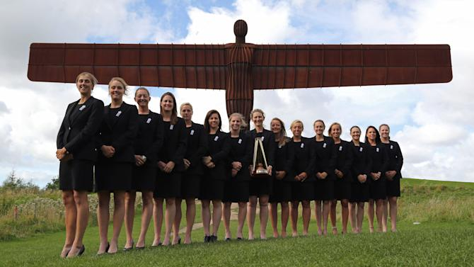 England Women's Ashes Series Winning Squad Photo Call