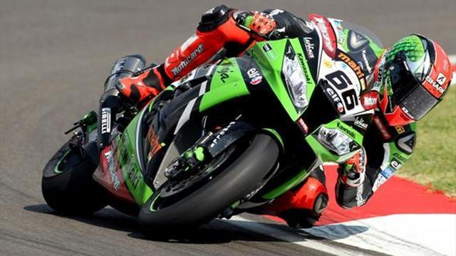 Superbikes - Imola WSBK: Sykes storms to race one victory