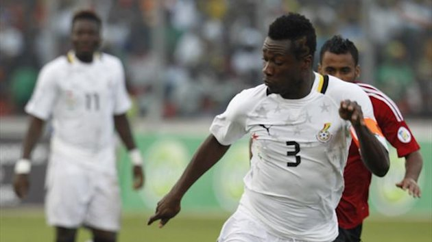 Asamoah Gyan of Ghana controls the ball during their World Cup 2014 African zone qualifying soccer match against Egypt at the Baba Yara Sports Stadium in Kumasi October 15, 2013 (Reuters)