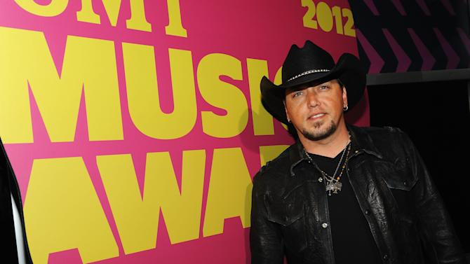 2012 CMT Music Awards - Red Carpet