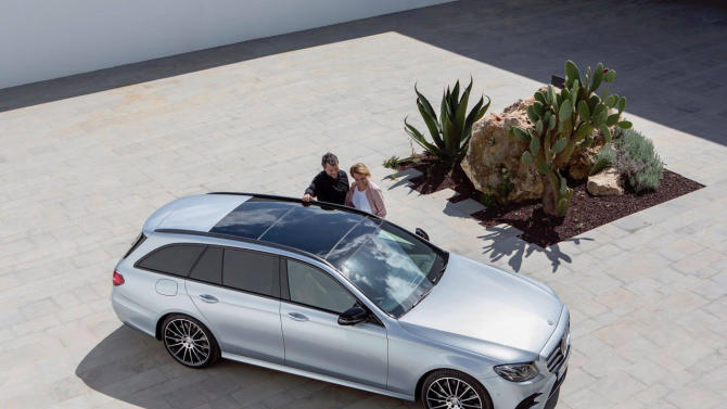 Powerful design in every aspect.The new E-Class Estate captivates with a sensual, pure design idiom, dynamic proportions as well as a confident appearance.