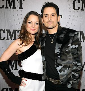"Kimberly Williams-Paisley, Brad Paisley Fall Victim to Online ""Dying Daughter"" Hoax"