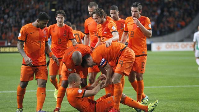 Football - Three training camps for Dutch players ahead of World Cup