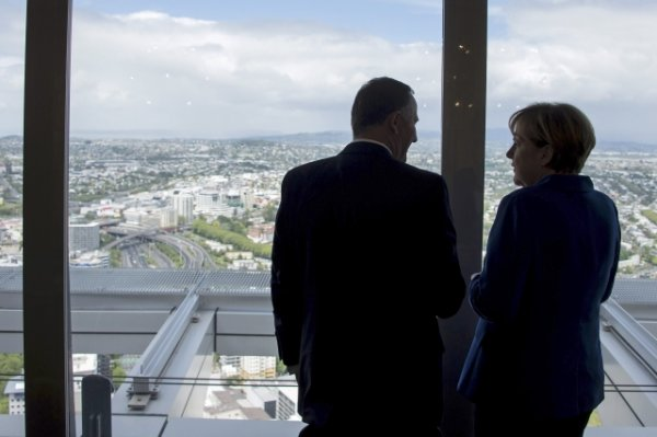 New Zealand PM Key at the Sky Tower in Auckland | View photo - Yahoo