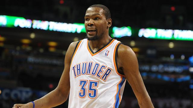 Basketball - Durant continues spree in Thunder win over Spurs