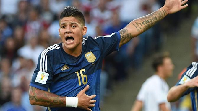 Premier League - Rojo confirms 'dream' move, but are United buying 'a nutcase'?