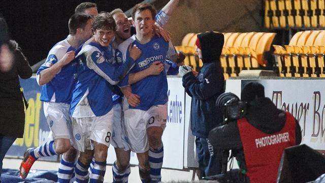 Scottish Football - St Johnstone manager Lomas salutes Saints' spirit
