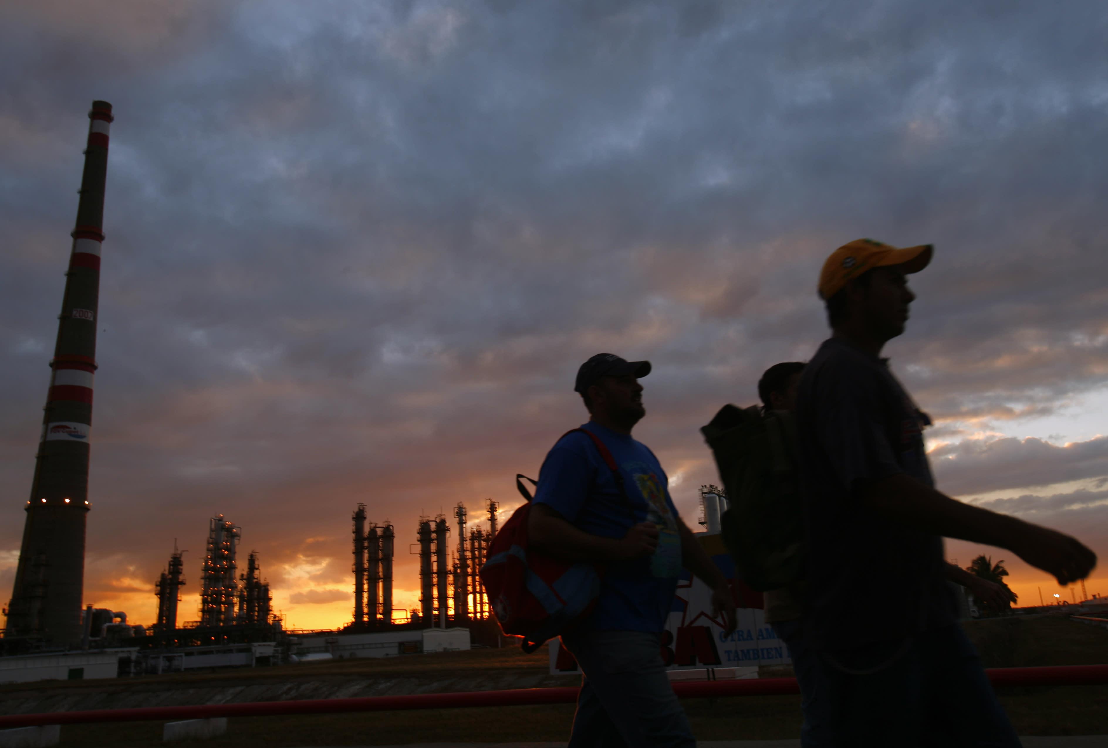 US works to ease Caribbean dependence on Venezuelan oil