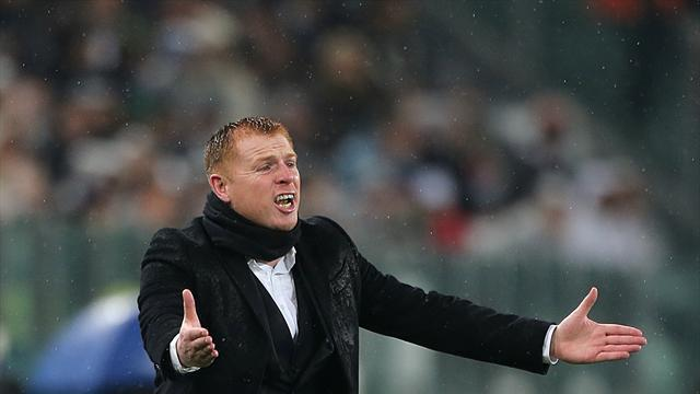 Football - Lennon wants end to defensive woes