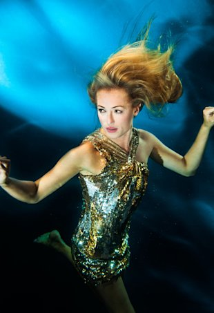 Cat Deeley does underwater shoot for Pantene