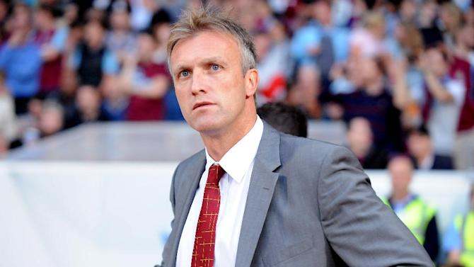 Steve Davis is close to a new deal at Crewe