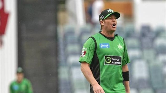 Shane Warne as Melbourne Stars captain (Imago)