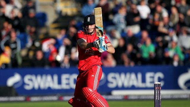 County - Lancashire sign England wicketkeeper Buttler