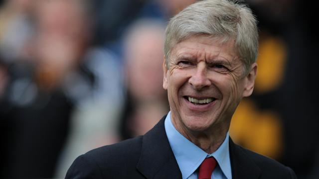 Premier League - Wenger set to stay with Gunners