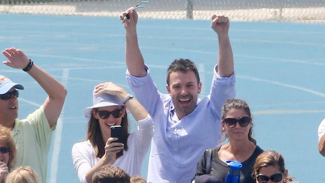 Ben Affleck and Jennifer Garner cheer for the girls - Part 2