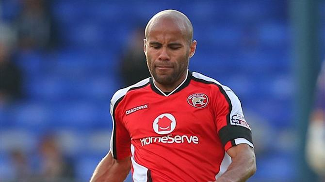 Football - Chambers extends Saddlers stay