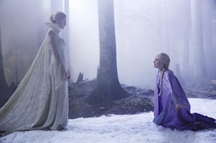 Elizabeth Mitchell On Snow Queens Evil Side On Once Upon A Time image image45 600x399