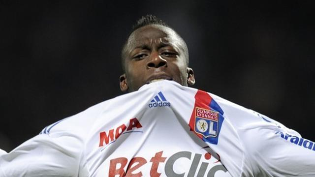 Valencia agree Cissokho deal