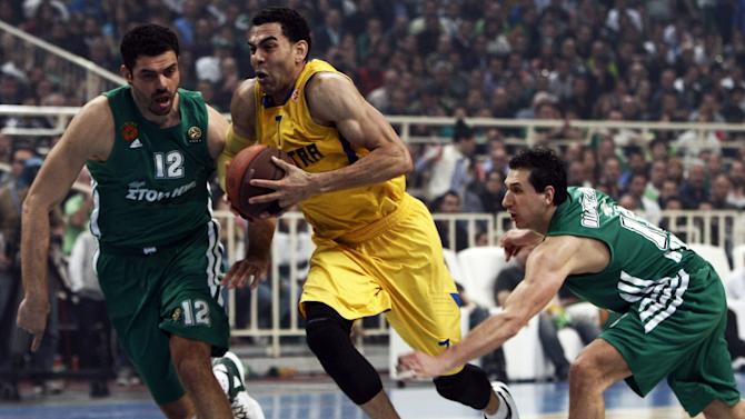 Maccabi Tel Aviv's David Blu (C) vies with Panathinaikos' Kostas Tsartsaris (L) during their Euroleague Basketball, quarter-final, game 5, in Athens on April 5, 2012.  AFP PHOTO / ANGELOS TZORTZINIS (Photo credit should read ANGELOS TZORTZINIS/AFP/Getty Images)