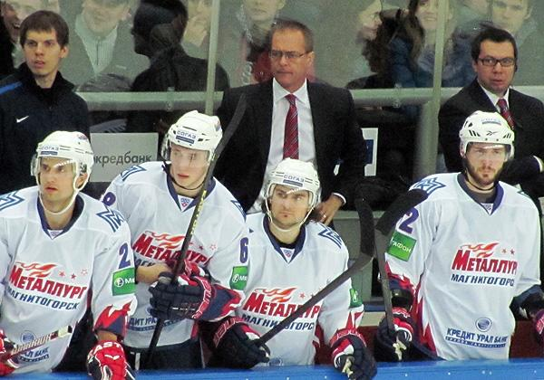Paul Maurice behind the bench for Metallurg Magnitogorsk
