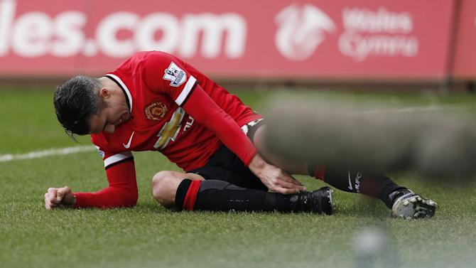 Premier League - Newcastle United v Manchester United preview: Robin van Persie remains on sidelines
