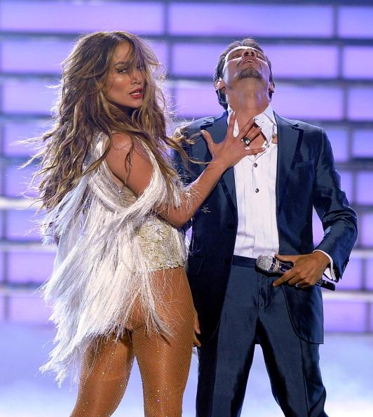 Jennifer Lopez and Marc Anthony perform on American Idol in May 2011