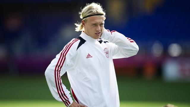 Ligue 1 - Denmark defender Kjaer leaves Wolfsburg for Lille