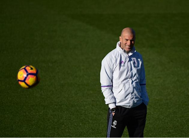 Real Madrid's French coach Zinedine Zidane says he is responsible for the team's two losses last weekend and is looking for a solution