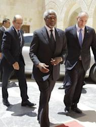 """Peace envoy Kofi Annan arrives at the royal palace in Amman, on May 31, 2012, for talks with Jordanian King Abdullah II. UN chief Ban Ki-moon told a forum in Istanbul: """"I demand that the government of Syria act on its commitment to the Annan peace plan."""""""