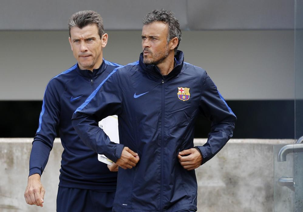 Barcelona coach Luis Enrique during training