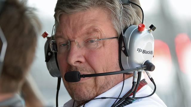 Formula 1 - Staff loss a threat to Red Bull - Brawn