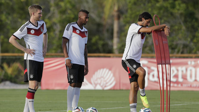 Germany's Khedira puzzled by second-match woes