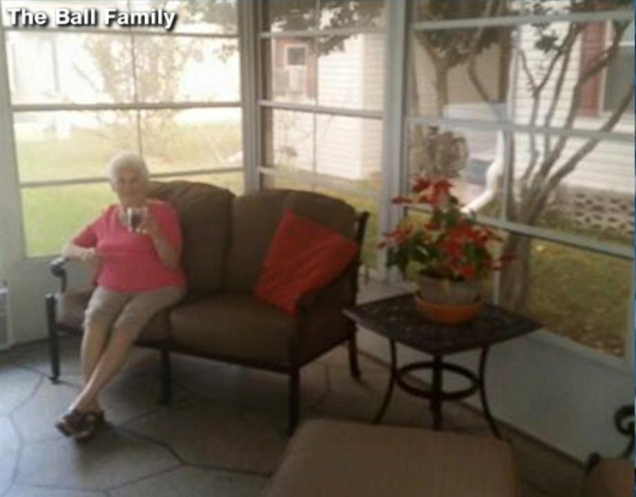 Florida Grandmother Poses in Staged Photos for For-Sale House