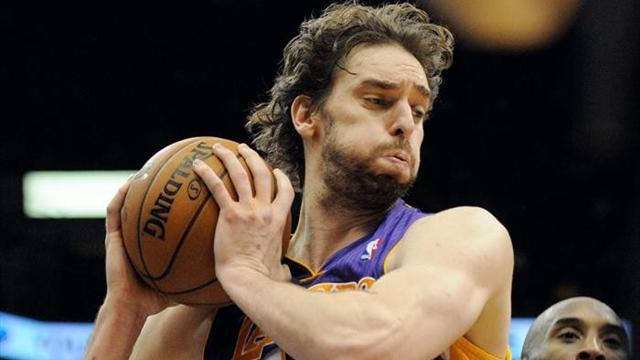 Basketball - Lakers' Gasol out for weeks with foot injury