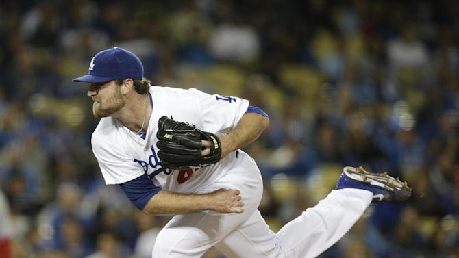 Dodgers reliever Chris Withrow has torn ligament