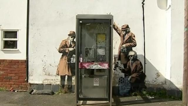 Possible Banksy graffiti appears near British spy agency