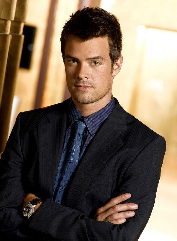 Josh Duhamel as Danny McCoy on NBC's Las Vegas.