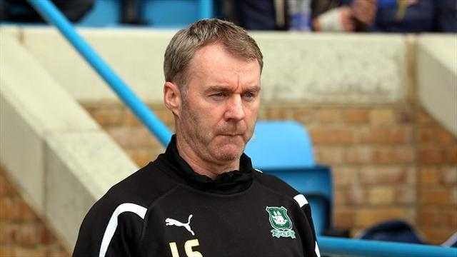 Football - Thomas earns Argyle deal