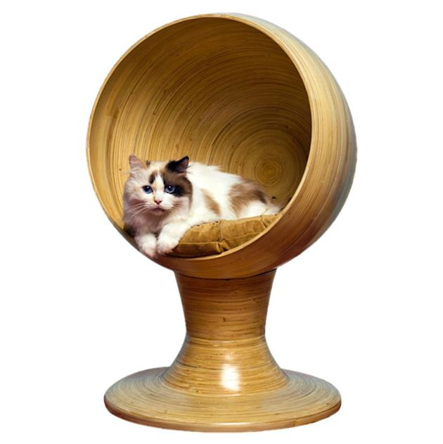 Refined Feline Kitty Bamboo Ball Lounge