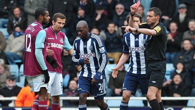Premier League - Foster backs `Mr Professional' Mulumbu following red card debacle