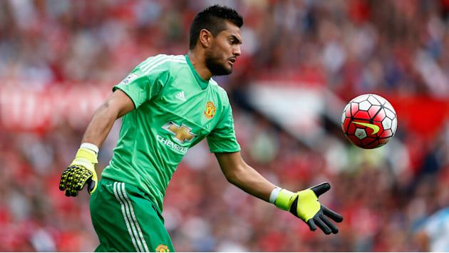 'I want them both to stay' - Mourinho intends to keep De Gea and Romero at Man Utd